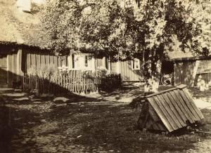 Bild 10. inne på gården